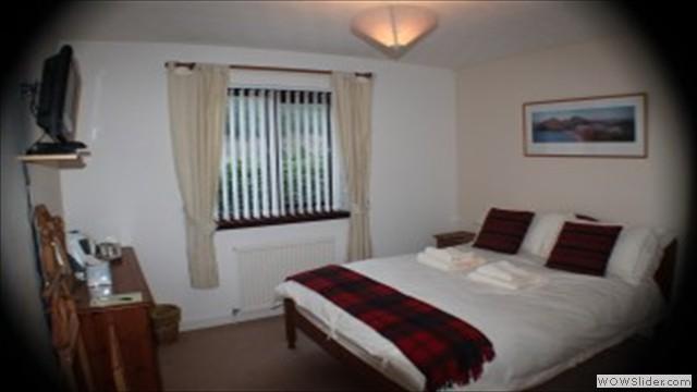 Elm Double En Suite Room