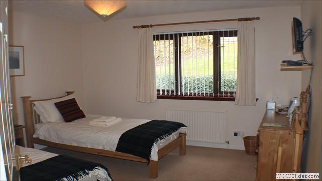 Oak Twin En Suite Room